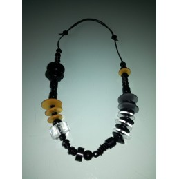 AFRICA long necklace